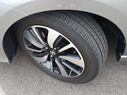 タイヤ溝・ホイール共に綺麗な状態でたくさんお乗りいただけます^^溝はしっかり残っておりひび割れもなく安心です!
