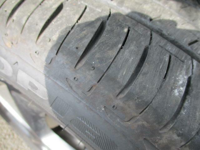 タイヤの溝はバッチリです☆