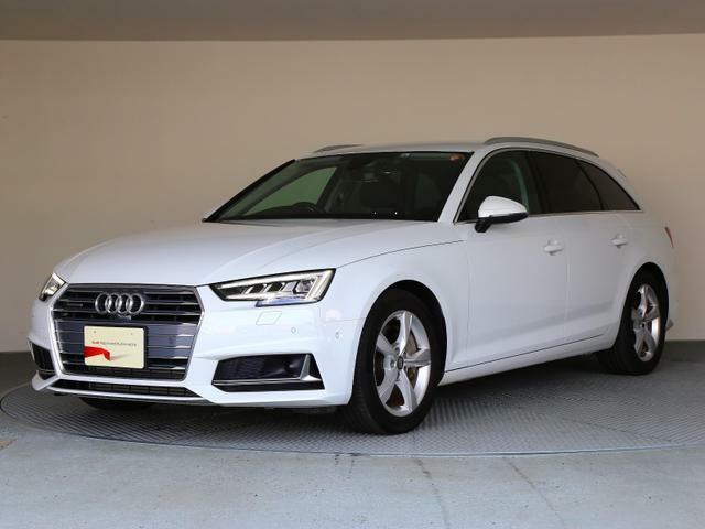 Audiデザインの特徴であるシングルフレームグリルが存在感を主張します。