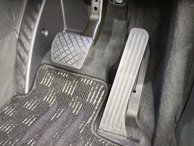 お引渡しまでに指定100項目に及ぶ整備・点検の実施、加えて1年間・走行距離無制限の全国のAudi正規ディーラー対応 認定中古車保証制度付き。  ※一部該当しない車両もございます。