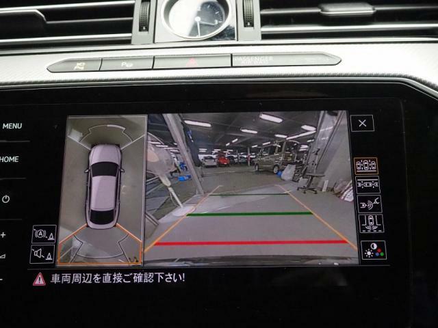 アラウンドビューカメラで駐車をサポートします。