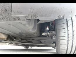 弊社取り付け新品BLITZ車高調装備しております。32段階で乗り心地を設定できます。