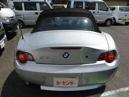 かわいい軽自動車からVIPカーなど幅広く取り扱っております。注文販売にも力を入れていますので当店に置いて無い在庫でも是非ご相談下さい。