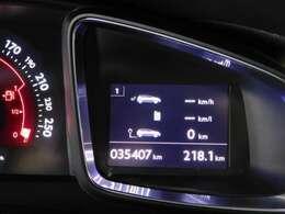 ●車の使用頻度を見分ける目安が、走行距離だと考えています。年式の割に走ってないお車をご提供するのが、当社のモットーの一つです。走行履歴のハッキリしたお車しか販売いたしません。