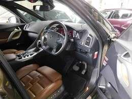 ●ご覧下さいこの運転席を♪ 傷や擦れ、汚れ、ヘタリ等はほとんど見受けられません。非常に美しい状態です。丁寧に乗っていらっしゃったのでしょうね。