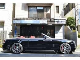 全長:5290mm×全幅:1940mm×全高:1500mm ロアリングキットにて、ローダウンしております! バランスの良い車高となっております!