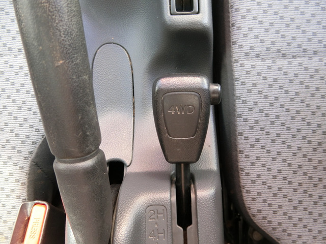4WDです切り替え式です
