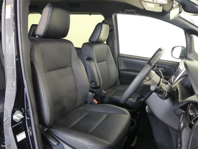 当社では専門部所によるルームクリーニングを行っております。綺麗な車内を、是非見にいらっしゃってください。丁寧に乗っていたみたいですよ♪