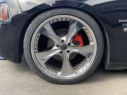 ダウンサス、Kranze22インチホイール、タイヤも新品交換済です!
