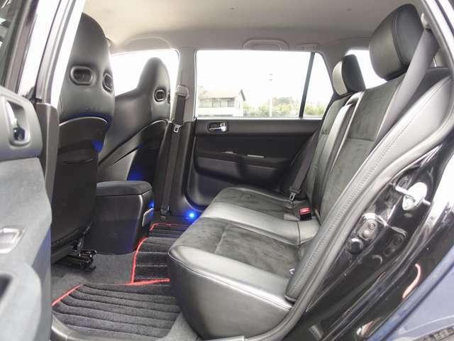 人気のランサーワゴン カスタム車両の入庫!カロッツエリアHDD地デジナビゲーションに車高調、新車OP BBS17AW、ボンエット、マフラーなどの高額パーツにタイミングベルトも交換済みとなります