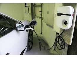 ホームガレージでの充電環境があれば非常に心強いです!