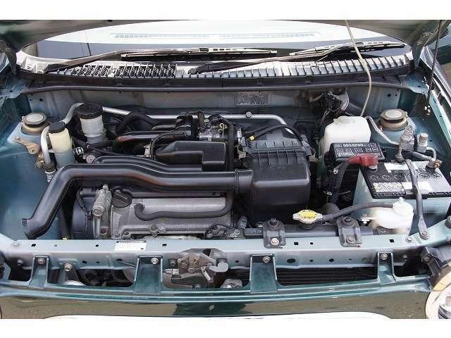 納車時に新品バッテリー エンジンオイルは含まれていますそろそろ10万キロですので納車整備時に別途タイミングベルトやエンジンマウントなどのゴムパーツの交換を推奨中です