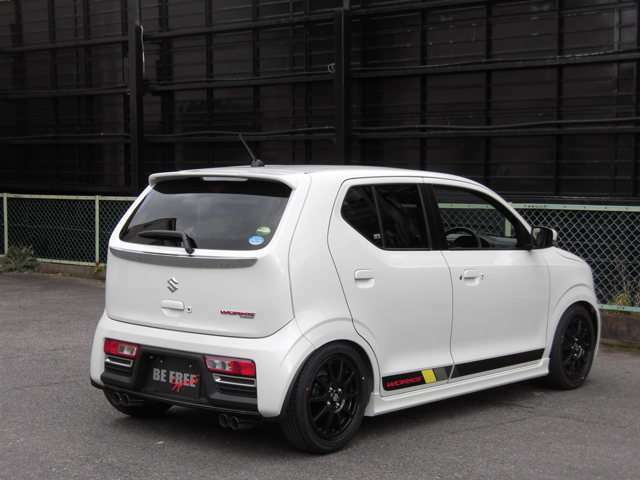 TEINフルタップ車高調・純正フロアマット装着の4WD新車コンプリートカーです。(マフラーは追加オプションです)