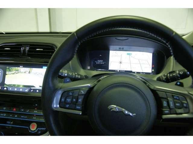 フルスクリーンマップも表示可能なデジタルメーター搭載です。