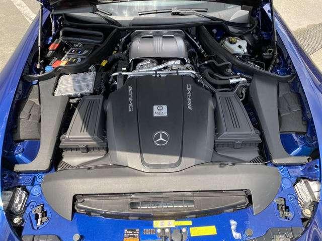 V8ツインターボ 4リッター 7速ATで余裕の走り!