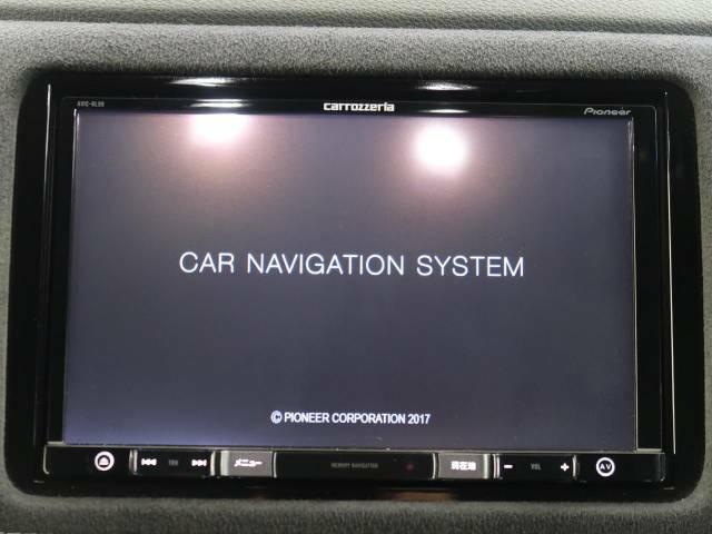 【大画面ナビ】人気の大型8インチナビを装備。存在感アリアリの大画面はインパクト抜群!ナビ利用時のマップ表示は見やすく、テレビやDVDは臨場感がアップ!いつものドライブがグッと楽しくなります♪