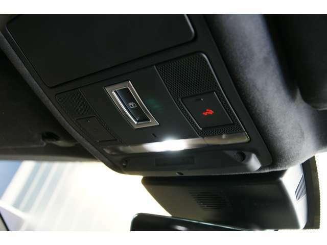 インコントロールコネクト装備、お手持ちのスマートフォンと連携することにより、XFを多彩にコントロールが可能です。リモコンエンジンスタート機能有、SOSエマージェンシーコール可能