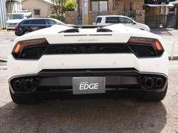タイヤの太さや車体の低さがよく分かります。見た目は後ろが全く見えなさそうですが、乗ると扱いやすいし案外見えます。