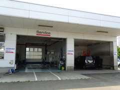 自社指定工場完備にて車検や整備など日々のお車のメンテナンスも当店にお任せ下さい♪