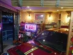 店内には、各種エンジンオイル他取りそろえております。
