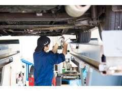 アベカツ名物!1時間車検!!国家資格を持った検査員と車検専門の整備スタッフが迅速にお客様の車検を完了いたします!