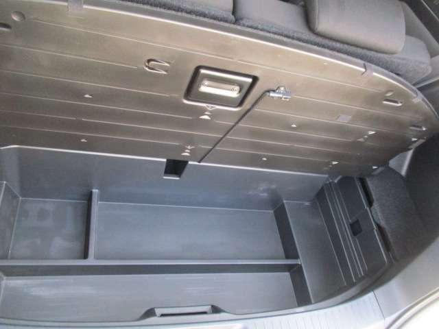トノカバーの下にも収納BOX有り便利です