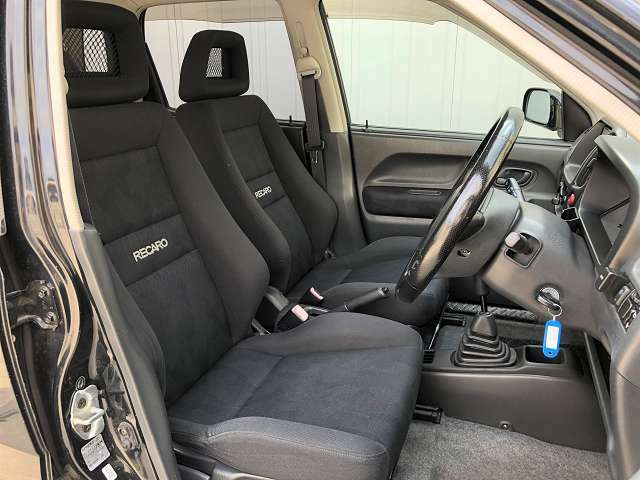 ●純正RECAROシート フロントシートは目立つキズや汚れなども少なくキレイな状態となっております♪