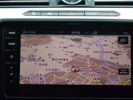 フォルクスワーゲン純正ナビゲーション「DiscoverPro」。9.2インチの大型全面タッチスクリーンで、ナビはもちろん、オーディオ、TV、車両の各種情報の表示。