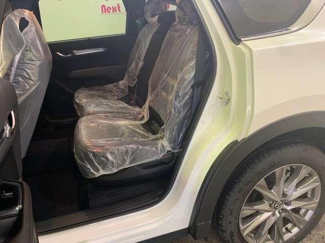 二列目シートもフロントシート同様の快適感です。