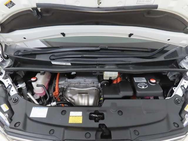 エンジンルームに関しましても油汚れを落とし艶出しまで行っております。お車をピカピカの状態にして展示しております。ぜひともご来店いただきご確認いただけたらと思います。
