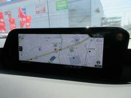 マツダコネクトの8.8インチワイドセンターディスプレイです。『Android Auto』『Apple CarPlay』や独自のコネクテッドサービスに対応したインターフェイスシステムです。