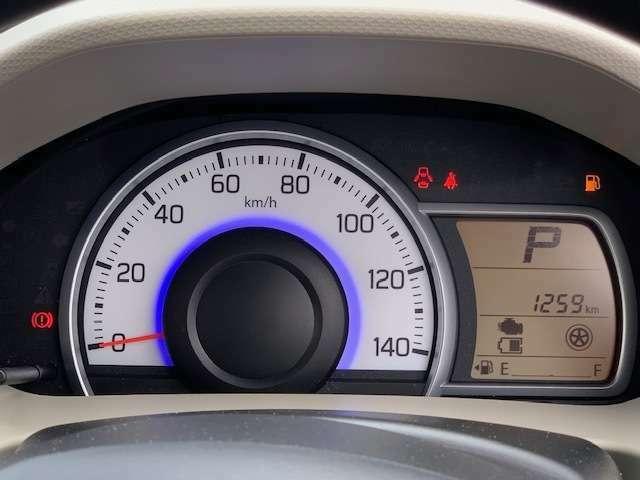 見やすい自発光メーターとマルチインフォメーションディスプレイ☆ディスプレイには平均燃費や航続可能距離など表示できます☆平均燃費が良くなるとちょっとうれしいですよね☆