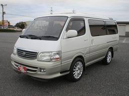 トヨタ ハイエース 2.4 スーパーカスタムG トリプルムーンルーフ ナビ TV