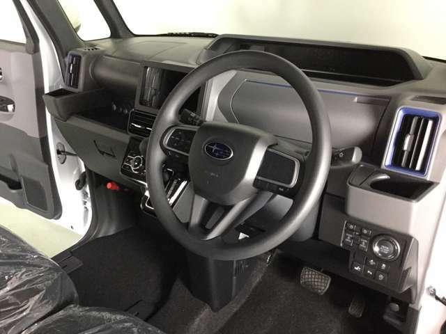 運転席側ドアを開けたときの画像です。
