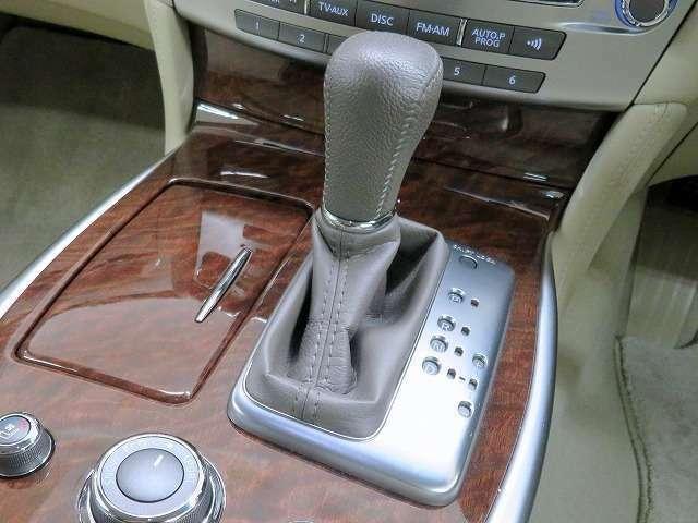 ■マニュアルモード付7速AT/ドライブモードセレクター/マニュアルモードでの走行を楽しめます!