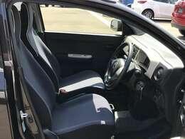 ☆シンプルな運転席周りです。インパネ周りの各操作スイッチ類も使いやすいよう配置されています。☆