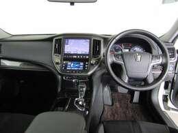 当社自慢のまるまるクリーンを施工済です。フロント席をはずして、シート丸洗いしてます。そして、室内の消臭・殺菌は人と自然に優しい独自の溶剤を使用し、清潔感でいっぱい。きれいな室内のU-Carです。