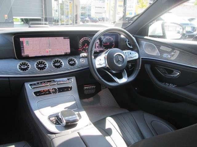 内装:インパネ全体の写真です。この車両は外装だけでなく内装もとてもきれいな車で、自信を持ってご案内させて頂きます。是非ともその目で現車をご覧頂きたいと思っております。