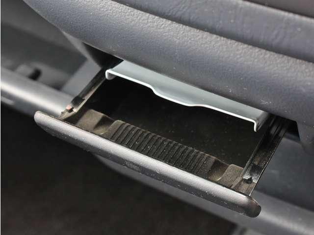 ★キズの詳細などお車の状態で気になることがございましたらお気軽にお問合せ下さい!出来る限りわかりやすく説明致しますので是非宜しくお願い致します★