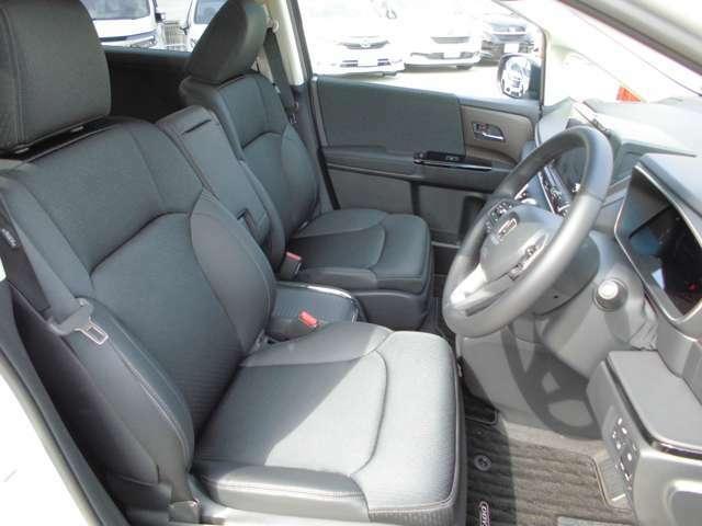 運転席&助手席シートヒーター装備。ホンダのシートはホールド性、弾力性は良いです。長距離長時間ドライブでも疲れないと評判です。是非体感してみませんか?