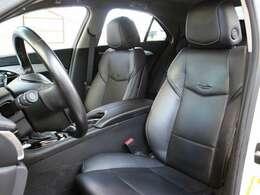 運転席シートはほつれ等もなく綺麗な状態です。