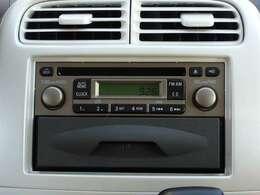 純正CDチューナー AMFM電子同調ラジオ もちろんナビへの交換も可能です 別途ご相談ください
