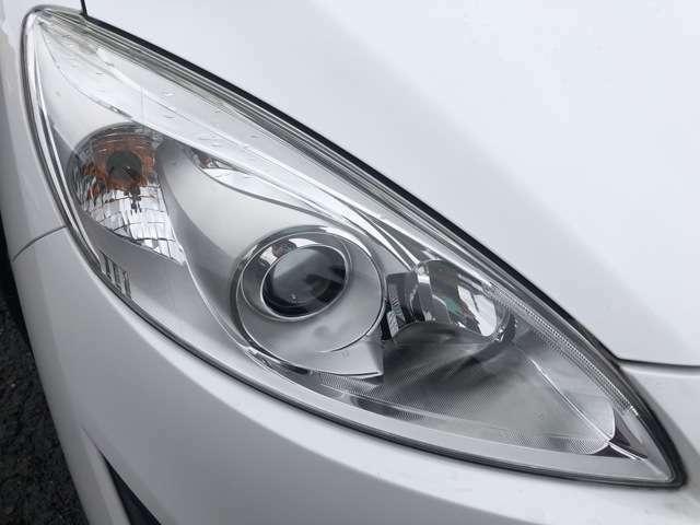 LEDヘッドライトになりますので視認性も良く夜道を明るく照らしてくれますね♪寿命も長く長持ちしてくれます♪入庫時にヘッドライトを丁寧に磨いておりますので、傷や黄ばみも少なく綺麗な状態です♪