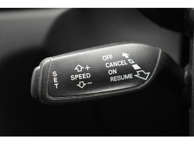 ●クルーズコントロール『設定した速度で前方車両に追いつくと、安全な車間距離を自動で調整して前方車両を追従します。長距離ドライブでの疲労を軽減する大変重宝する機能です。』