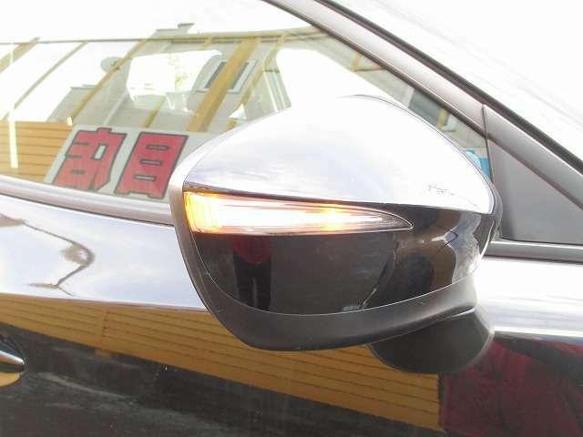 見た目もかっこいいですが対向車からの視認もばっちりですミラーウインカー装備です
