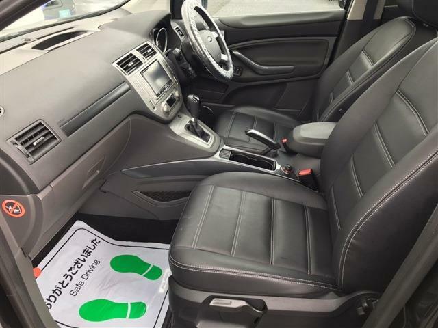 ☆当社のフォード店舗にて車検整備を実施いたします。安心してお乗り頂ける様、フォードサービスメカニックがしっかりと整備いたします。