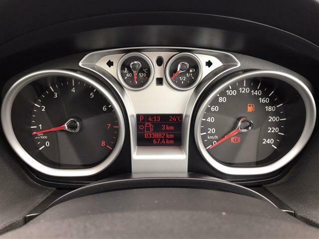 全長4445×全幅1850×全高1715mmのボディサイズです。国産クロスオーバー車とそう変わらないサイズです。尚、使用燃料はハイオクガソリンの指定となっています。