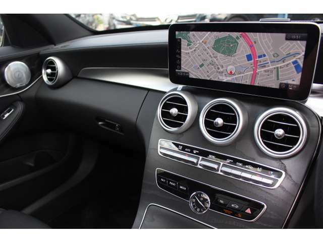 10.25インチワイドディスプレイ搭載☆ナビ、地デジ、Bluetoothなど対応しております☆