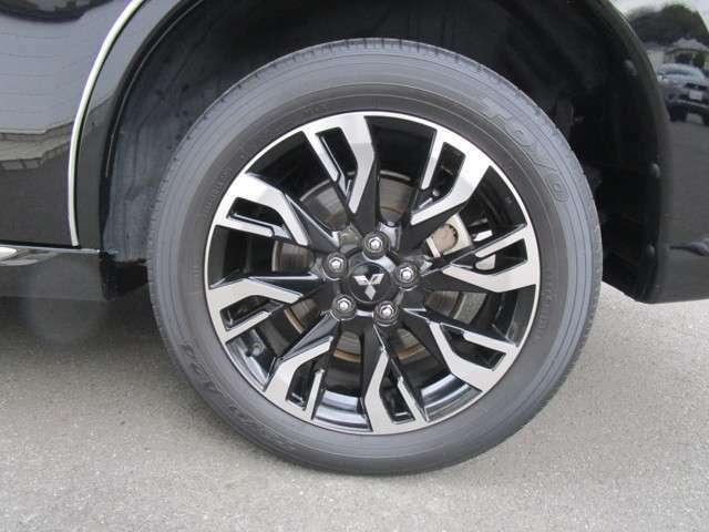 純正18インチアルミホイール タイヤサイズ225/55R18