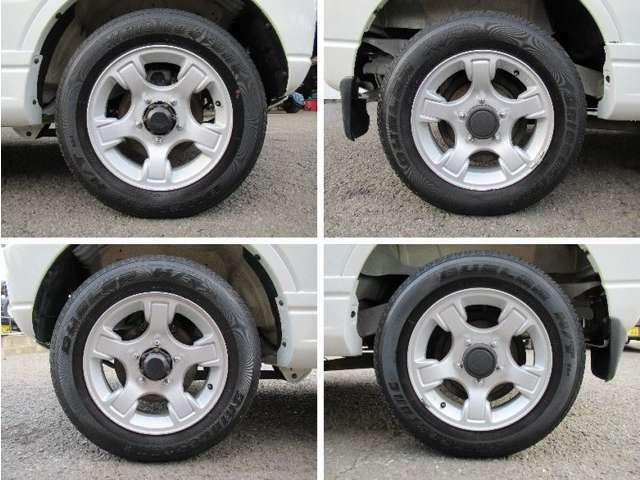 アルミホイール装着車☆ホイールコンディションの写真は左上→右フロント、右上→右リヤ、左下→左フロント、右下→左リヤコンディション良好、タイヤ山6~7分山。